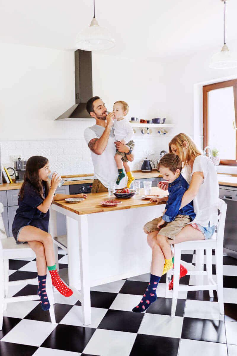 STRAWBERRIES KIDS - Dziecięce skarpetki w truskawki