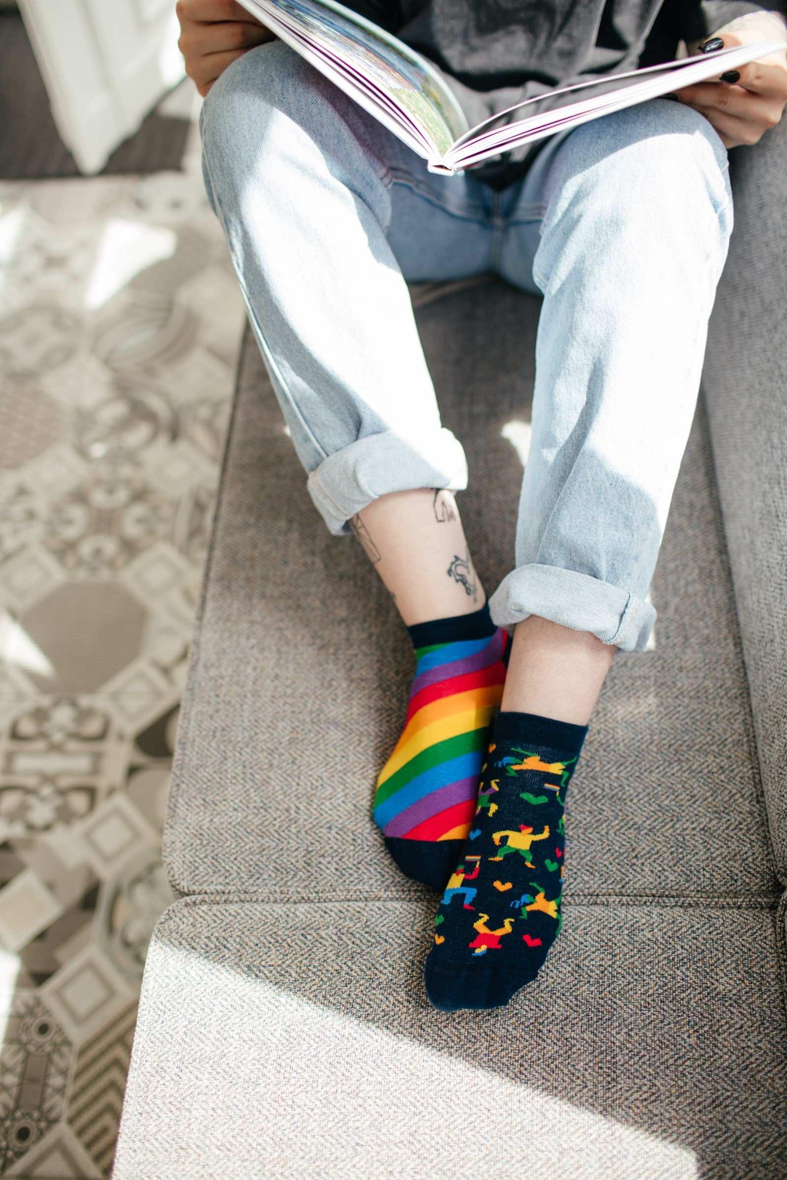 OVER THE RAINBOW LOW - Rainbow low socks